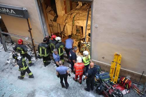 Bologna, esplosione in centro: sventrato un ristorante giapponese 9
