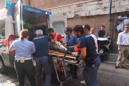 Bologna, esplosione in centro: sventrato un ristorante giapponese 15