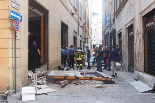 Bologna, esplosione in centro: sventrato un ristorante giapponese 14