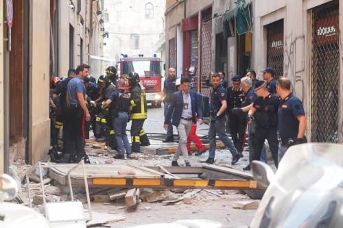 Bologna, esplosione in centro: sventrato un ristorante giapponese 20