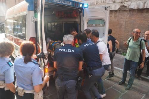 Bologna, esplosione in centro: sventrato un ristorante giapponese 19