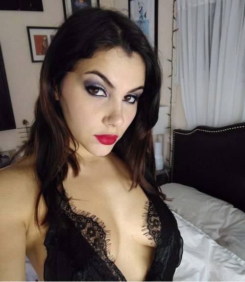 Valentina Nappi, tutte le provocazioni su Instagram 35