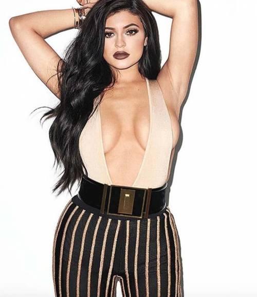 Kylie Jenner, costumi e bikini su Instagram: foto 14