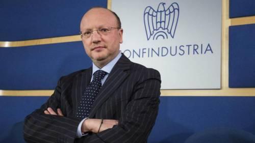 """Coronavirus, Confindustria a Conte: """"Non si chiude tutto..."""". I sindacati: """"Sciopero"""""""