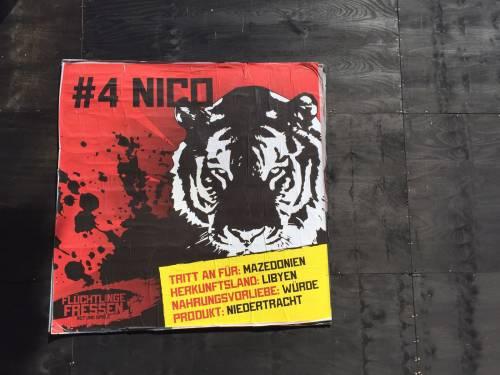 """A Berlino spunta un'arena con le tigri per """"mangiare"""" i rifugiati 13"""