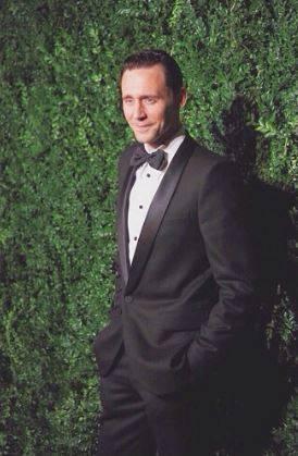 Tom Hiddleston, le foto del nuovo James Bond 13