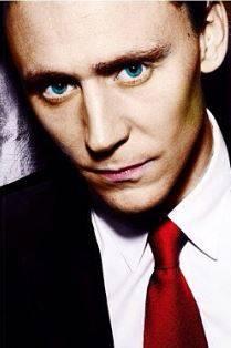 Tom Hiddleston, le foto del nuovo James Bond 12