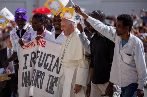 Papa Francesco con gli immigrati in San Pietro 14