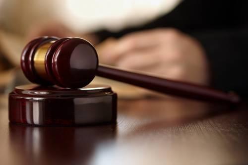 Intascava soldi dall'imputato La Consulta boccia il Csm: «Quel giudice è da cacciare»