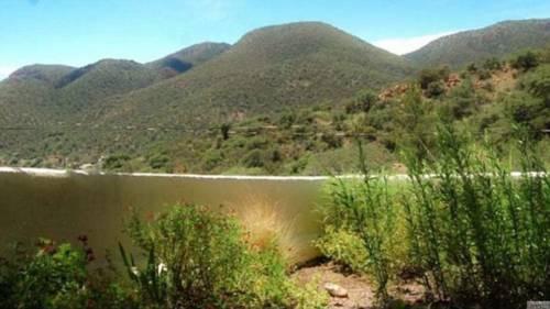 L'illusione ottica del lago di montagna che fa impazzire i social