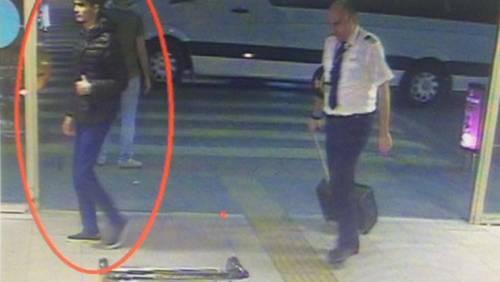 """Istanbul, attacco all'aeroporto L'ombra dell'Isis: """"41 morti"""""""