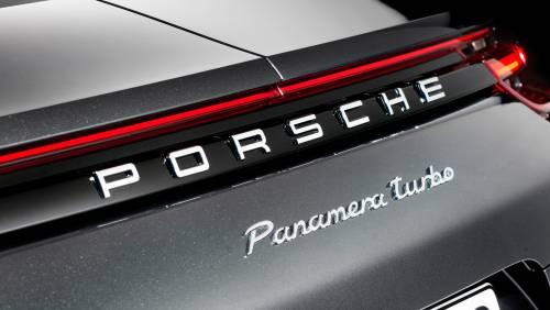 Le immagini della nuova Porsche Panamera 3
