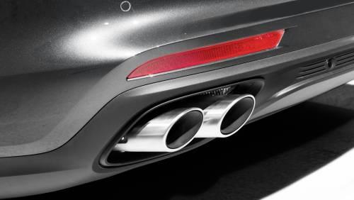 Le immagini della nuova Porsche Panamera 4