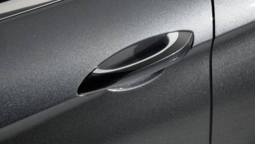 Le immagini della nuova Porsche Panamera 7