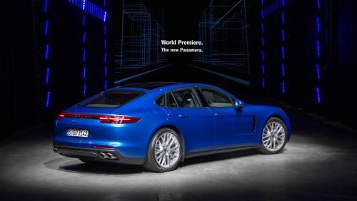 Le immagini della nuova Porsche Panamera 11