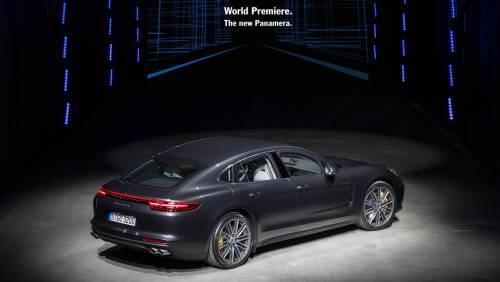 Le immagini della nuova Porsche Panamera 17