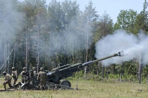 La Nato si allarga a Est e Mosca prepara i missili