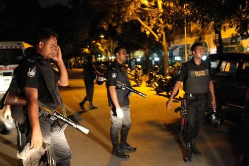Isis prende ostaggi nella capitale del Bangladesh 1