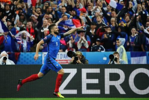 Inter, si continua a trattare per Giroud: è lui il prescelto per l'attacco
