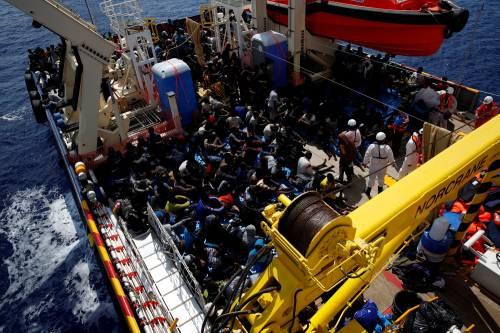 Migranti, il lavoro dei soccorritori nel Mediterraneo 9