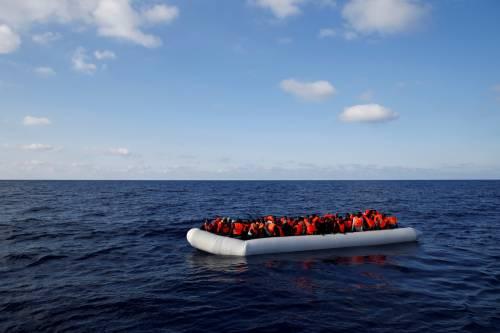 Migranti, il lavoro dei soccorritori nel Mediterraneo 10