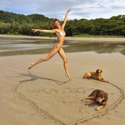 Auguri, bikini: il costume più famoso al mondo compie 70 anni 19