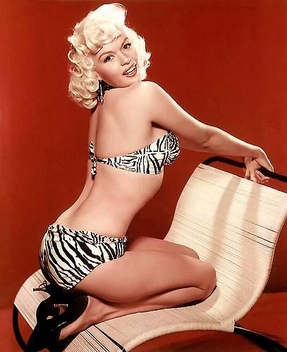 Auguri, bikini: il costume più famoso al mondo compie 70 anni 32