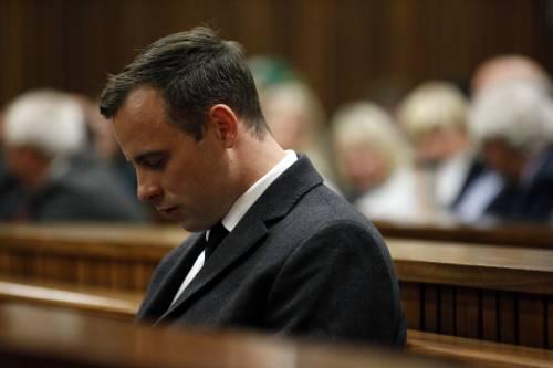 Oscar Pistorius durante la lettura della sentenza d'appello