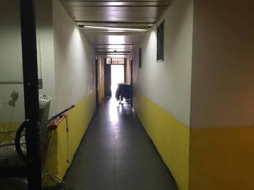 Il palazzo occupato dai nordafricani tra illegalità e scabbia 18