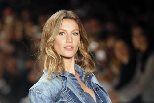 Gisele Bündchen, modella sexy tra vita pubblica e privata 9