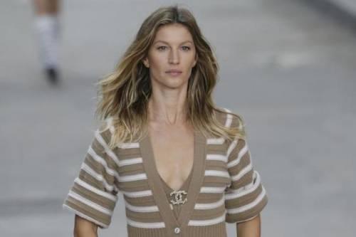 Gisele Bündchen, modella sexy tra vita pubblica e privata 11