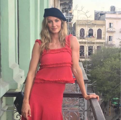 Gisele Bündchen, modella sexy tra vita pubblica e privata 25