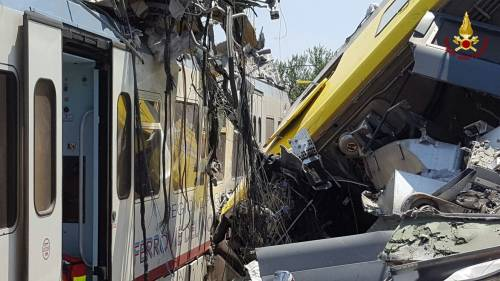 Lo scontro tra due treni in Puglia 5
