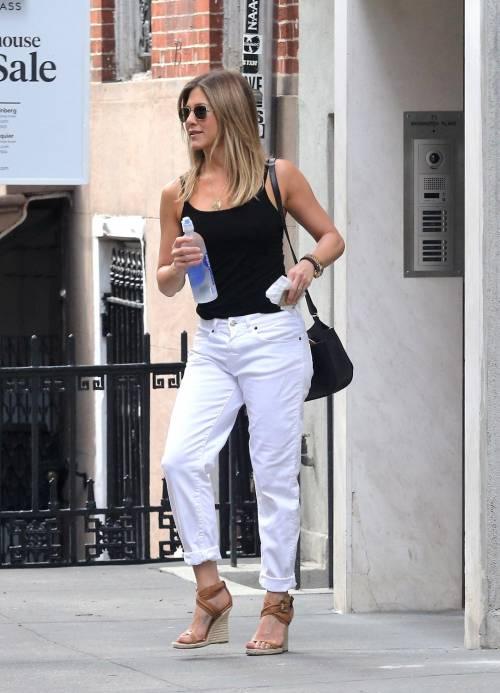 Jennifer Aniston, le immagini  24