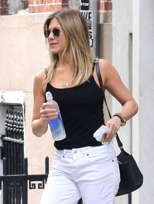 Jennifer Aniston, le immagini  27