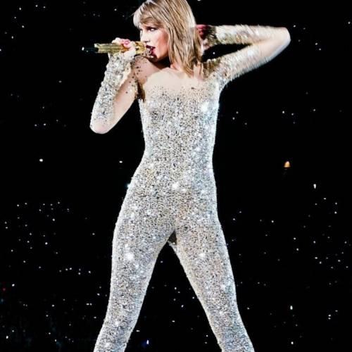 Taylor Swift: le foto e i look più sexy 9