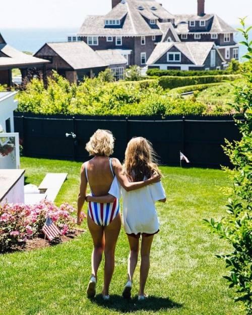 Taylor Swift: le foto e i look più sexy 13