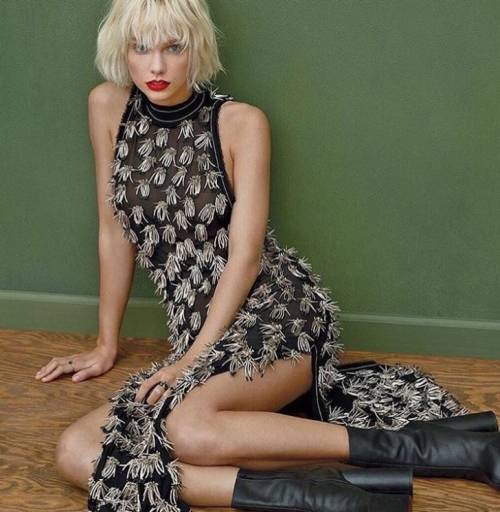 Taylor Swift: le foto e i look più sexy 15