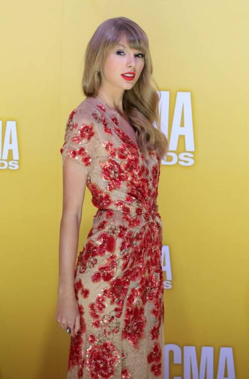 Taylor Swift: le foto e i look più sexy 32