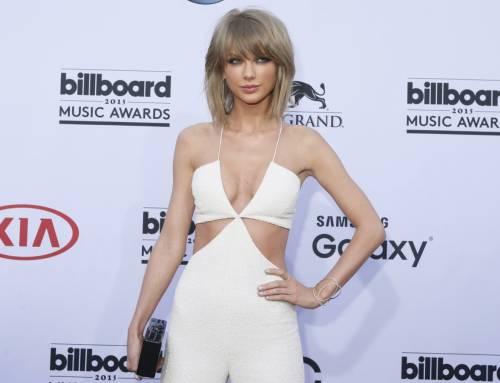 Taylor Swift: le foto e i look più sexy 29