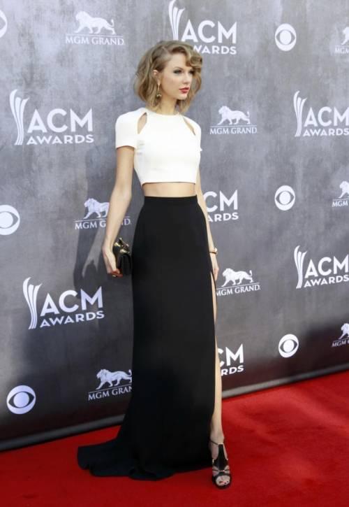 Taylor Swift: le foto e i look più sexy 36