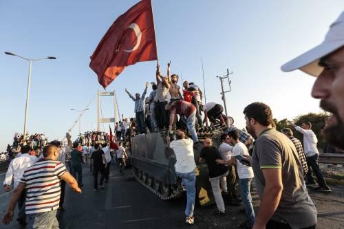 """L'opposizione turca: """"Golpe? Una messinscena di Erdogan"""""""