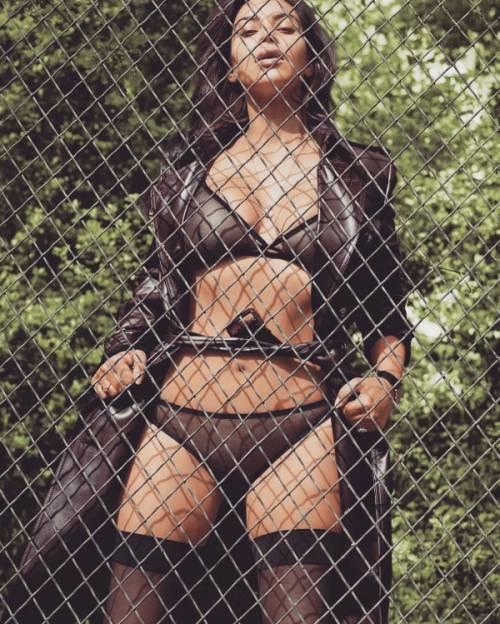 Taylor Swift VS Kim Kardashian: le foto 40