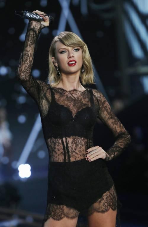 Taylor Swift VS Kim Kardashian: le foto 47