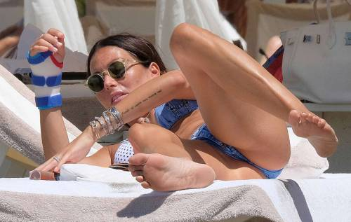 Elisabetta Gregoraci, super hot in bikini 9