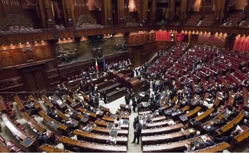 Sondaggi, 5 Stelle frenati dalle consultazioni. L'asse Lega-M5S non piace agli elettori
