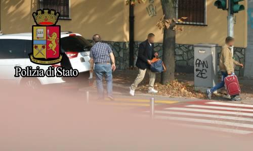 """Immigrazione, così gli scafisti di terra """"lavorano"""" a Milano 5"""