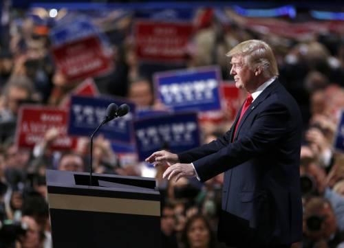 """Trump: """"Riporterò la sicurezza negli Usa, con me legge e ordine. Sconfiggeremo i barbari dell'Isis"""""""