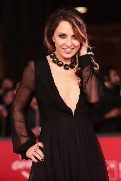 Myriam Catania, topless sexy: foto 6
