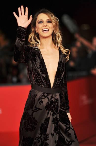 Myriam Catania, topless sexy: foto 9